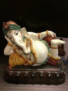 Ganesha liggend kleur
