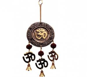 Bellen met Rudraksha en Ohm symbool